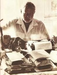 Hemingway Cat and Typewriter